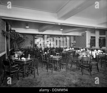 The new brasserie, Monico Restaurant. Shaftesbury Avenue, Westminster, London, 1915. Artist: Bedford Lemere and - Stock Photo