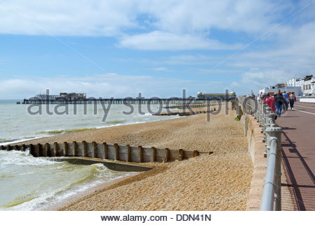 The seafront and beach, Carlisle Parade,  Hastings, East Sussex, England UK - Stock Photo