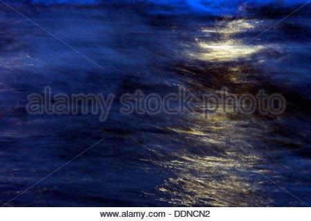 Drift ice on River Elbe in Hamurg Harbor, Germany - Stock Photo