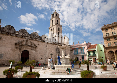 marble fountain Fuente de los Leones and church San Francisco de Asis on Plaza de San Francisco in Havana, Cuba, - Stock Photo