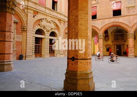 Italy, Emilia-Romagna, Bologna, Piazza Maggiore, Palazzo Comunale courtyard - Stock Photo
