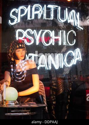 Psychic storefront advertisement - Stock Photo
