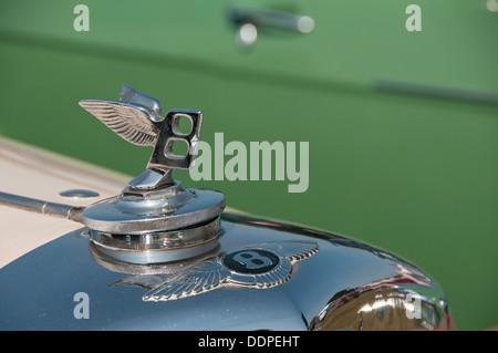 Bentley car. Winged 'B' badge and bonnet (hood) ornament - Stock Photo