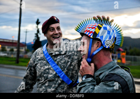 U.S. Army Maj. Dale Papka with Headquarters Company, 4th Infantry Brigade Combat Team (Airborne), 25th Infantry - Stock Photo