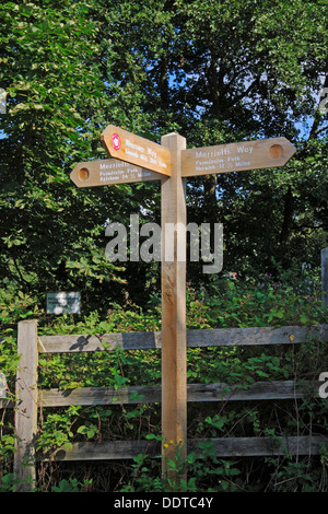 Direction and distance signpost on the Marriott's Way long distance path at Lenwade, Norfolk, England, United Kingdom. - Stock Photo