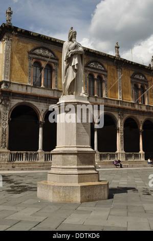 Statue of Dante Alighieri in Piazza dei Signori, Verona. - Stock Photo