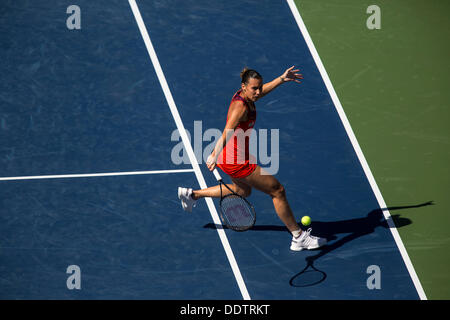 New York, USA. 6th September 2013. Flavia Pennetta (ITA) competing in her semi-final match at the 2013 US Open Tennis - Stock Photo