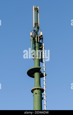 Cellular mobile phone mast and antennae - Stock Photo