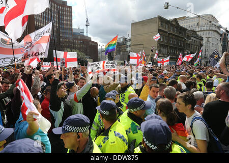 London, UK. 7th September 2013. The Right-Wing Pressure Group, The English Defence League, March and rally against - Stock Photo