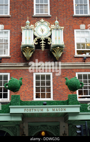 England, London, Piccadilly, Fortnum & Mason,Traditional Delicatessen Department Store - Stock Photo