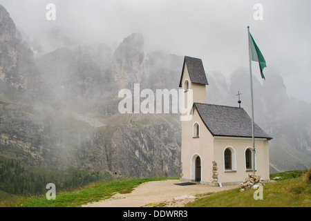 Small church in a mountain pass in South Tirol, Italy. - Stock Photo