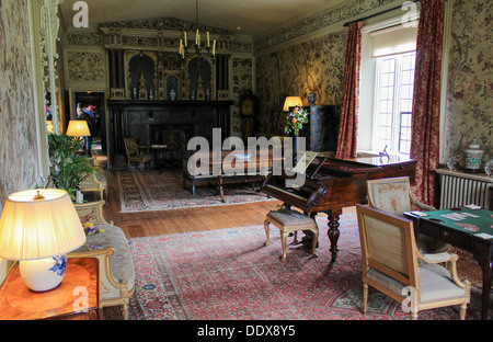 living room of Ightham Mote period property owned by the National Trust - Stock Photo