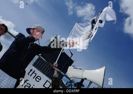 London, UK. 8th Sep, 2013. A rab musician protest against DESI Arms Sale held in Excel London . Credit:  See Li/Alamy - Stock Photo