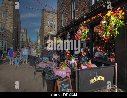 Rose Street,Edinburgh,Scotland,UK a place to drink,eat,party, TheCrown - Stock Photo