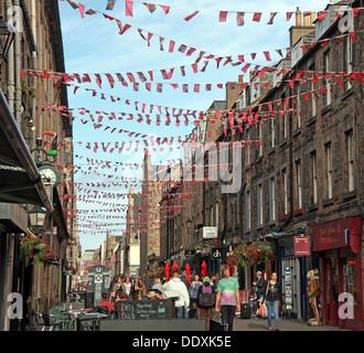 Rose Street,Edinburgh,Scotland,UK a place to drink,eat,party - Stock Photo