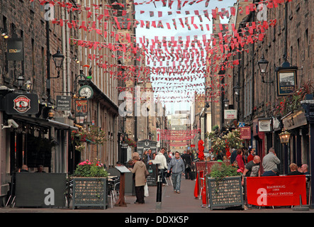 Rose Street,Edinburgh,Scotland,UK a place to drink,eat,party - Stock Photo