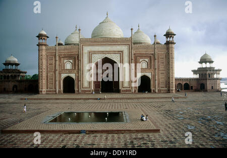Taj Mahal (1631-1653), Agra. Uttar Pradesh, India - Stock Photo