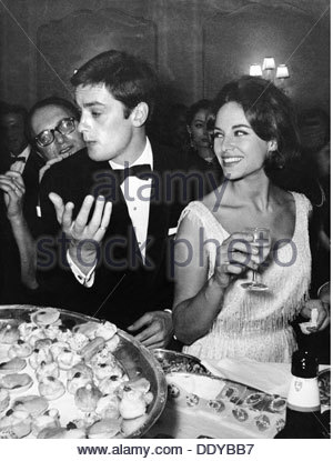 Delon, Alain, * 8.11.1935, French actor, half length, with first wife Nathalie, at reception on the occasion of - Stock Photo