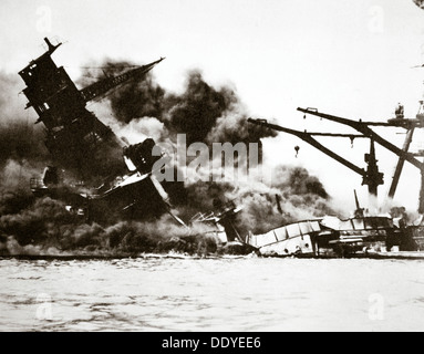 Battleship USS 'Arizona' (BB-39) sinking during the attack on Pearl Harbour, 1941. Artist: Unknown - Stock Photo