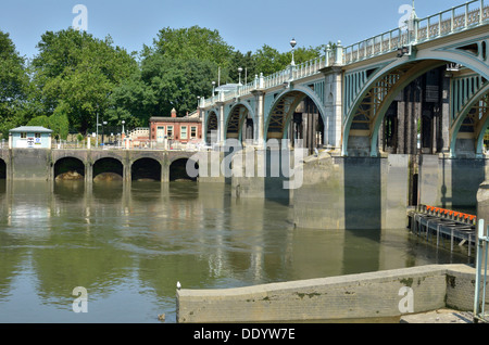 Richmond Lock and Weir, Twickenham, London, UK. - Stock Photo