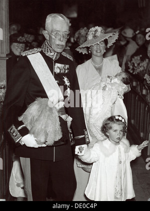 Christening of Princess Desiree of Sweden at the Church of Solna, Sweden, 30 June 1938. Princess Sibylla (1908-1972), - Stock Photo