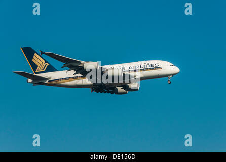 Singapore Airlines Airbus A380-841 approaching to land at Frankfurt Airport, Frankfurt am Main, Hesse - Stock Photo