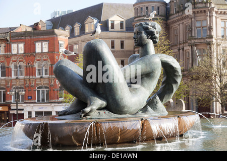 UK, Birmingham, 'The River' Artwork also nicknamed locally as the 'Floozie In The Jacuzzi' by Dhruva Mistry, Victoria - Stock Photo