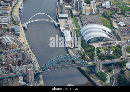 Aerial photograph of the Tyne Bridges and the Sage Gateshead - Stock Photo