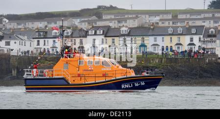 The RNLI Tamar-class lifeboat Mollie Hunt off Appledore on the North Devon coast - Stock Photo