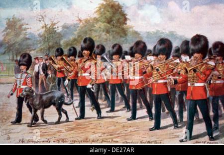 military, Great Britain, guards, the regimental band of the Irish Guards with the regimental mascot, Oilette postcard - Stock Photo
