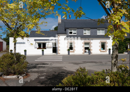 la ville blanche restaurant, lannion, brittany, france Stock Photo ...