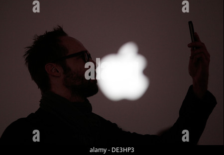 Berlin, Germany, visitors at the opening of the new Apple Store Berlin - Stock Photo