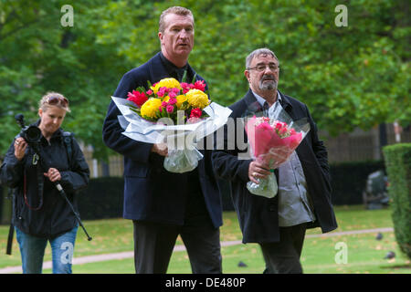 Grosvenor Square, London, UK. 11th Sep, 2013. EDL co-leader Kevin Carroll arrives at the 9/11 memorial in Grosvenor - Stock Photo