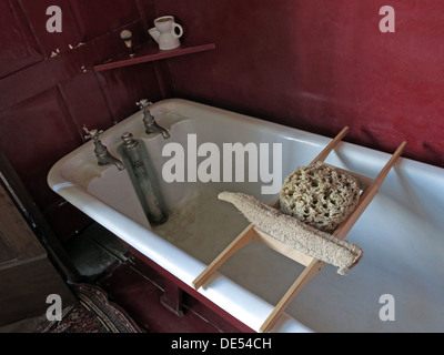 Victorian bathing at Montecute House, NT, South Somerset, England, UK - Stock Photo