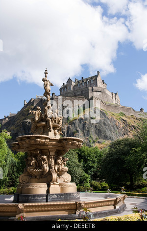 The Ross Fountain and Edinburgh Castle from Princes Street Gardens. - Stock Photo