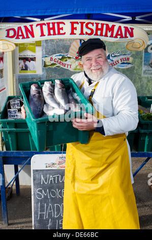 Dan 'the fish man' Garnett, fishmonger market trader, North Devon, UK - Stock Photo