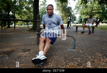 Sept. 11, 2013 - Memphis, Tenn, U.S. - September 11, 2013 - Donald Vaulx (cq) triceps dips while working out at - Stock Photo