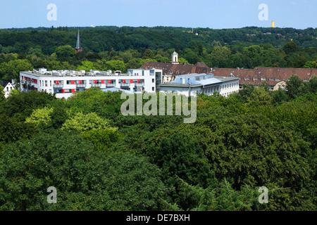 Panoramablick vom Bismarckturm ueber den Stadtpark zum St. Josef-Hospital Klinikum der Ruhr-Universitaet Bochum, - Stock Photo