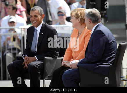 Berlin, Germany, Barack Obama, Angela Merkel and Klaus Wowereit at the Brandenburg Gate - Stock Photo