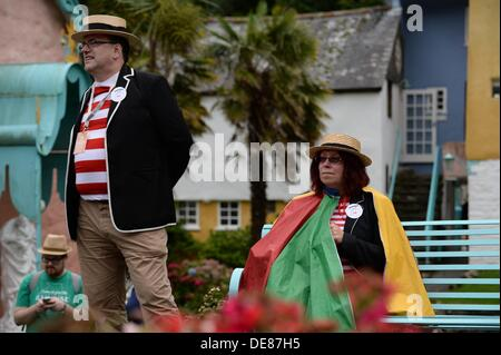 Portmeirion, Snowdonia, North Wales, UK. 13th Sep, 2013. Fans of The Prisoner at the second Festival Number 6, in - Stock Photo