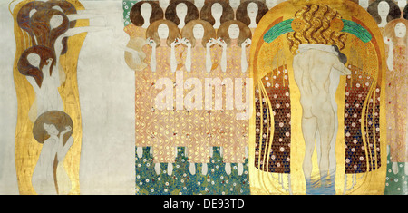 The Beethoven Frieze, Detail: The Arts, Chorus of Paradise, Embrace, 1902. Artist: Klimt, Gustav (1862-1918) - Stock Photo