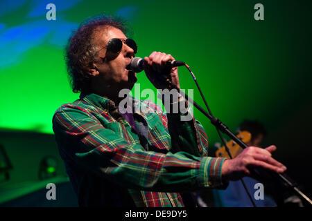 Portmeirion, North Wales, UK . 13th Sep, 2013. Veteran welsh rocker GERAINT JARMAN performing at Festival Number - Stock Photo