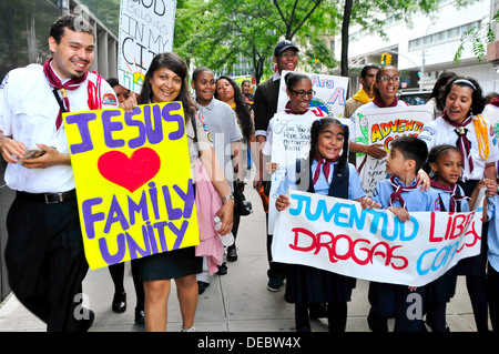 promoting family unity, friendship, healthy living, and a world free of drugs,... - Stock Photo