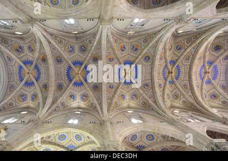 Interior, star vaults in the nave, Como Cathedral, Cathedral of Santa Maria Maggiore, Como, Lombardy, Italy - Stock Photo