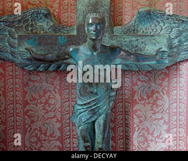 Bronze Crucifix Art inside the Canongate Kirk, Edinburgh Old Town,153 Canongate, Edinburgh, Midlothian EH8 8BN - Stock Photo