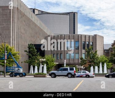 Superior Court of Justice, fountains and parked police car with new City Hall in background - University Avenue, - Stock Photo