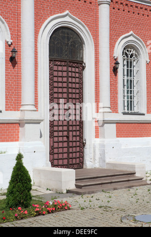 Entrance door of the Church of the Icon of Our Lady of Tikhvin in Kolomna, Russia - Stock Photo