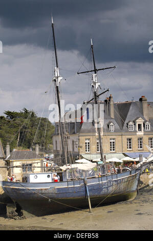 Port de Saint-Goustan. Auray. Morbihan. Brittany. France. - Stock Photo