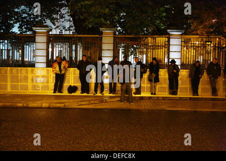 Dublin, Ireland. 18th September 2013. The first protesters start to assembled outside the the Dail (Irish Parliament) - Stock Photo