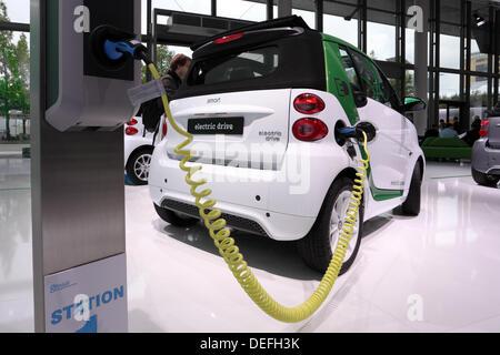 Frankfurt, Germany. 17th Sep, 2013. International Motor Show in Frankfurt, Germany. Smart Electric Drive car at - Stock Photo